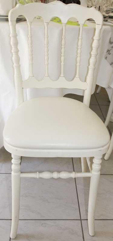 location de chaises cool location chaise miami blanche with location de chaises cool location. Black Bedroom Furniture Sets. Home Design Ideas